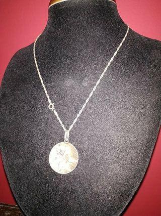 cadena de plata y colgante hoja años 70