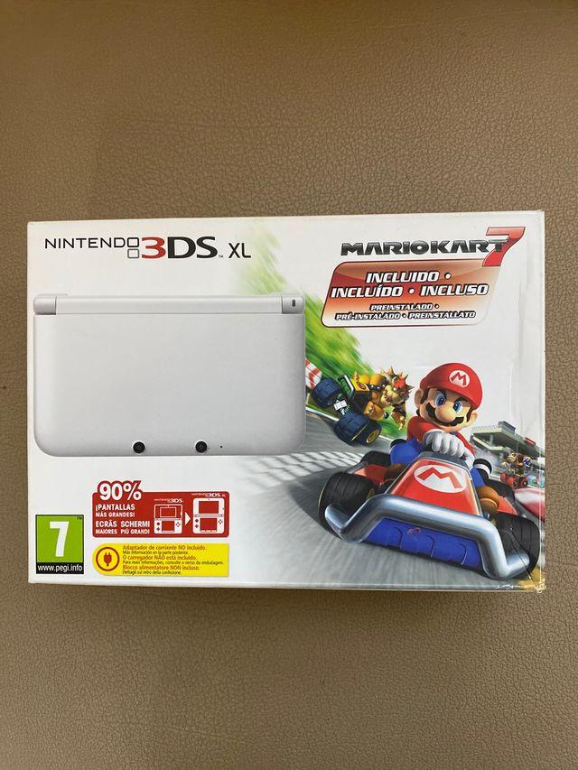 Nintendo 3DS XL con funda y juegos