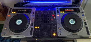 Equipo de música 2- Pionner CDJ 800 MK2 de DJ .