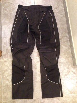 Pantalón moto KUM Talla XXL.