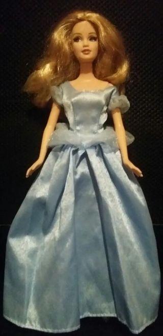 vestido azul princesa valido para Barbie