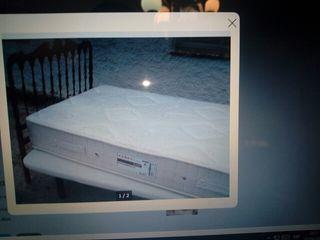 Base tapizada 105cm