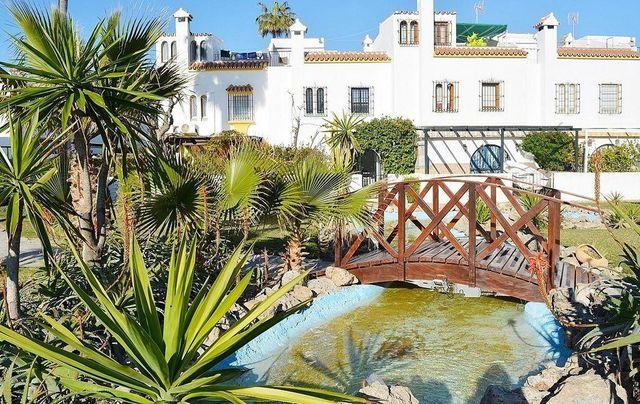 Casa adosada en venta en Casares (Marina de Casares, Málaga)
