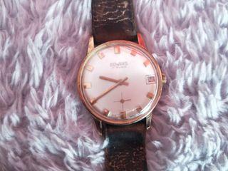 reloj antiguo de cuerrda duward fonciona muy bien