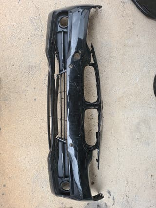 Paragolpes BMW F30 dañado
