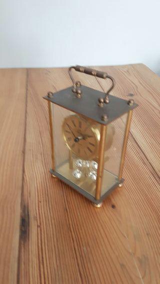 Antiguo reloj de mesa caja de cristal