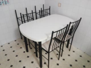 Mesa cocina, 4 sillas y 4 taburetes