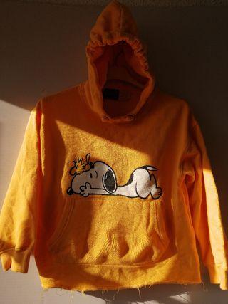 Sudadera Snoopy. T 8 años. Zara