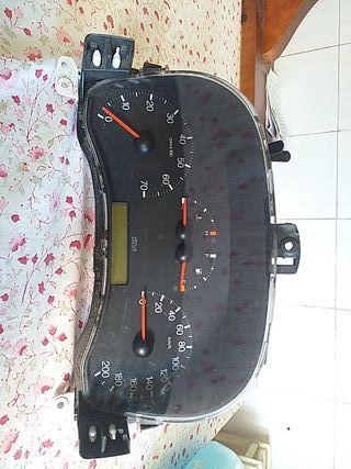cuadro instrumentos fiat punto año 2002