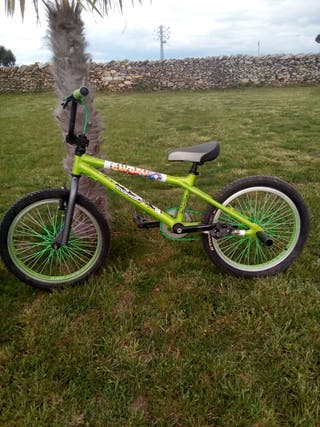 Bicicleta BmX de oportunidad como nueva