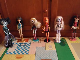 9 Monster High
