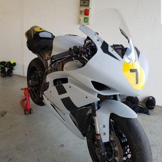 Yamaha R1 08 Full + Recambio