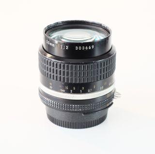 Nikon 35mm f/2 Ais