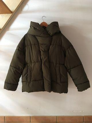 Abrigo oversize verde caqui H&M