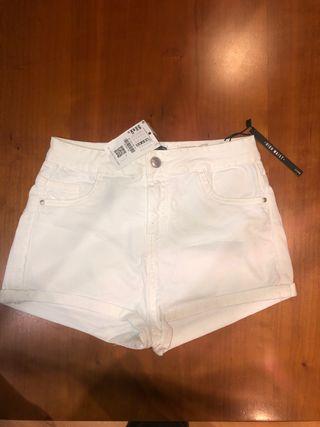 shorts blancos talla 38 bershka