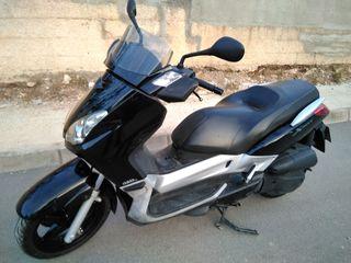 Yamaha x Max 125 CC año 2007