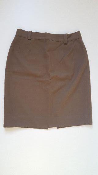 Falda de lana marrón