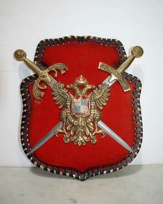 Antiguo escudo águilas