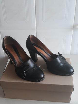 Zapatos Clarks n°. 39