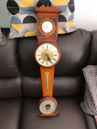 Reloj antiguo ( termómetro , barómetro,higrometro)