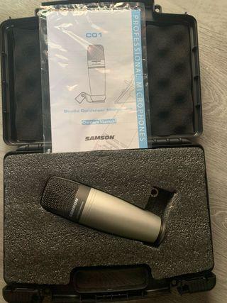 Microfono de estudio Samsom C01 y pie Proel