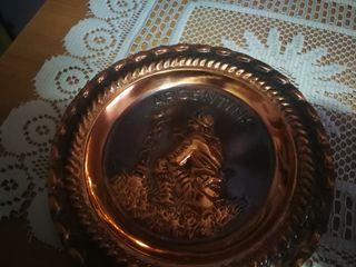 Tres platos decorativos cobre