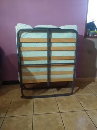 Se vende cama plegable con colchon