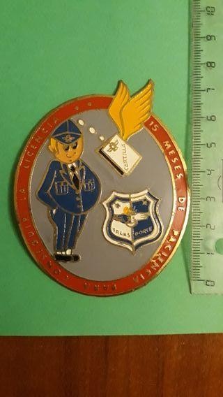 Chapa antigua militar de licenciado