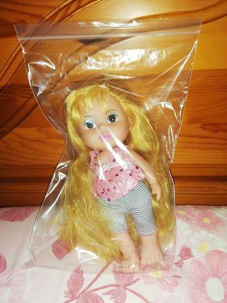 Muñeca Rapunzel. 20cm.