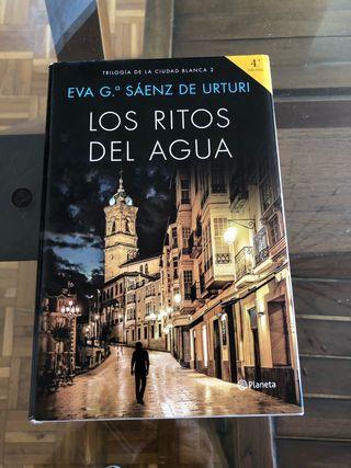 Los ritos del agua. Eva G Sáenz de Urturi