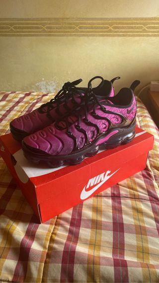 Nike Vapormax Plus FUCHSIA BLACK 9.5US 43EU