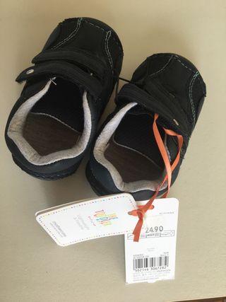 Zapatos marca Mother Care NUEVOS T20 y 1/2