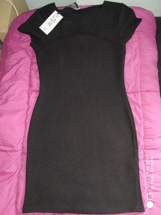 Vestido corto ajustado Bershka. Talla L.