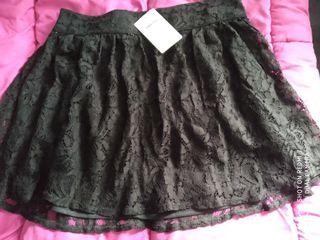 Falda mujer de encaje negro talla L.
