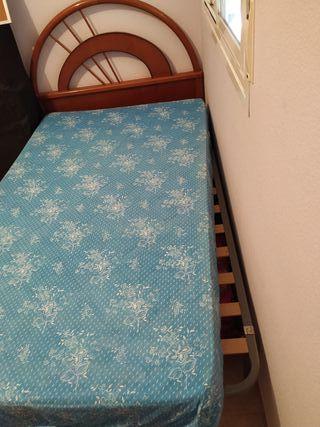 cabecero + colchón + sumier + Almada y colcha