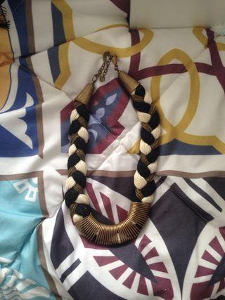 Collar de cordones