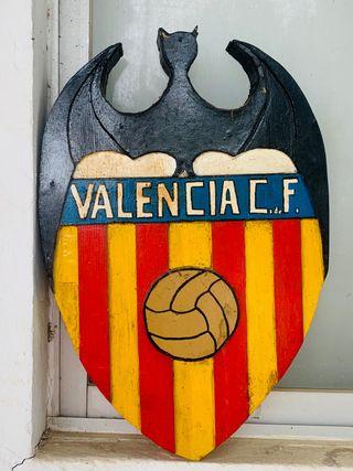 Espectacular escudo de valencia pura madera