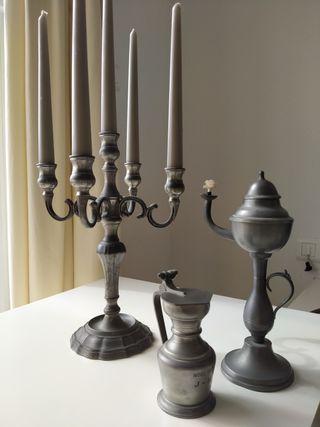 Candelabro, lámpara de aceite y jarra de aceite