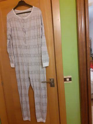 Pijama entero. t. L