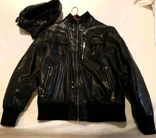 Cazadora de cuero negra, de GSG Fashion