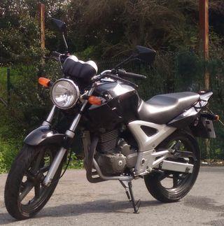 MOTO HONDA CBF 250cc