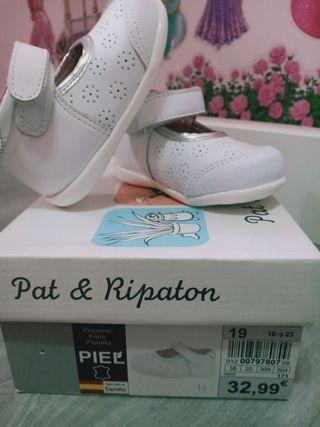 zapatos niña blancos. Nuevos. Talla 19