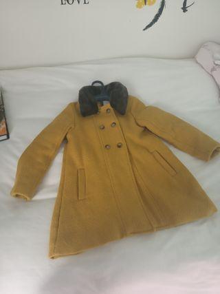 abrigo mostaza de Gocco t.8