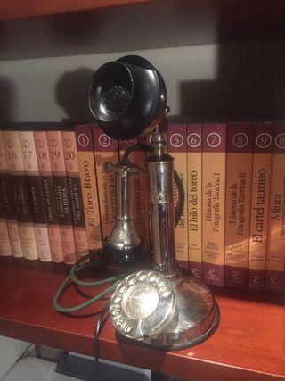 Teléfono de pie o vela. Antigüedad.