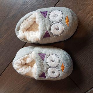 zapatillas bebé 21