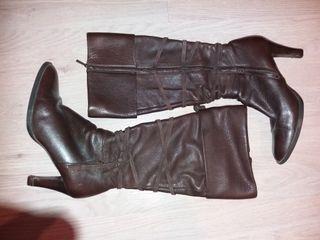 Botas de piel talla 37-38 de Zara