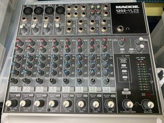 Mesa mezcla Mackie 1202-VLZ3