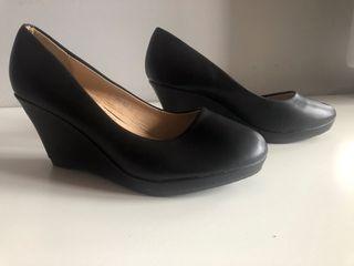 Zapatos salón cuña nº37. SIN ESTRENAR
