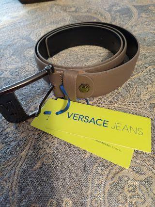 cinturón por estrenar Versace