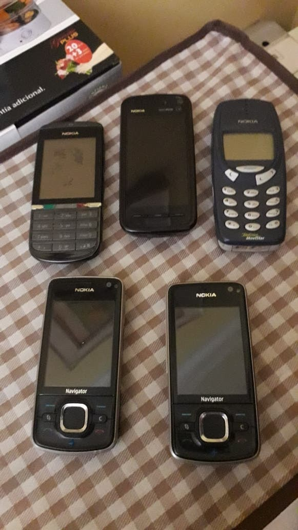 telefonos antiguos coleccionista